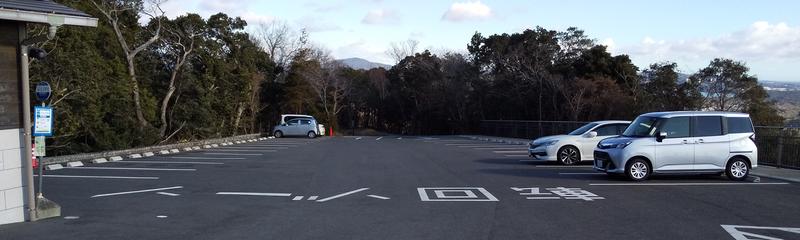 横山展望台の駐車場