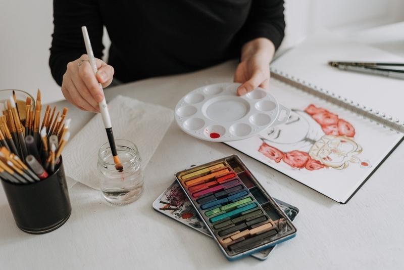 イラストを描いている人の手元の写真