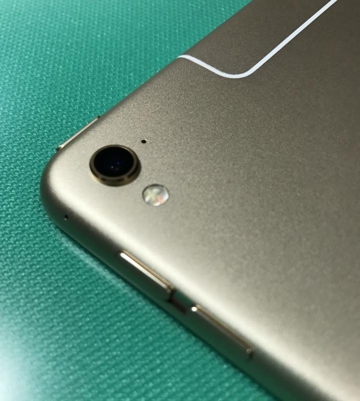 Back-camera-of-iPad-Pro-9.7-inch-Gold ゴールド
