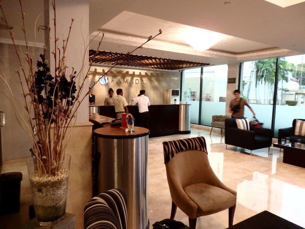 ニゴンボ ラマダ カトナヤケホテルのロビー