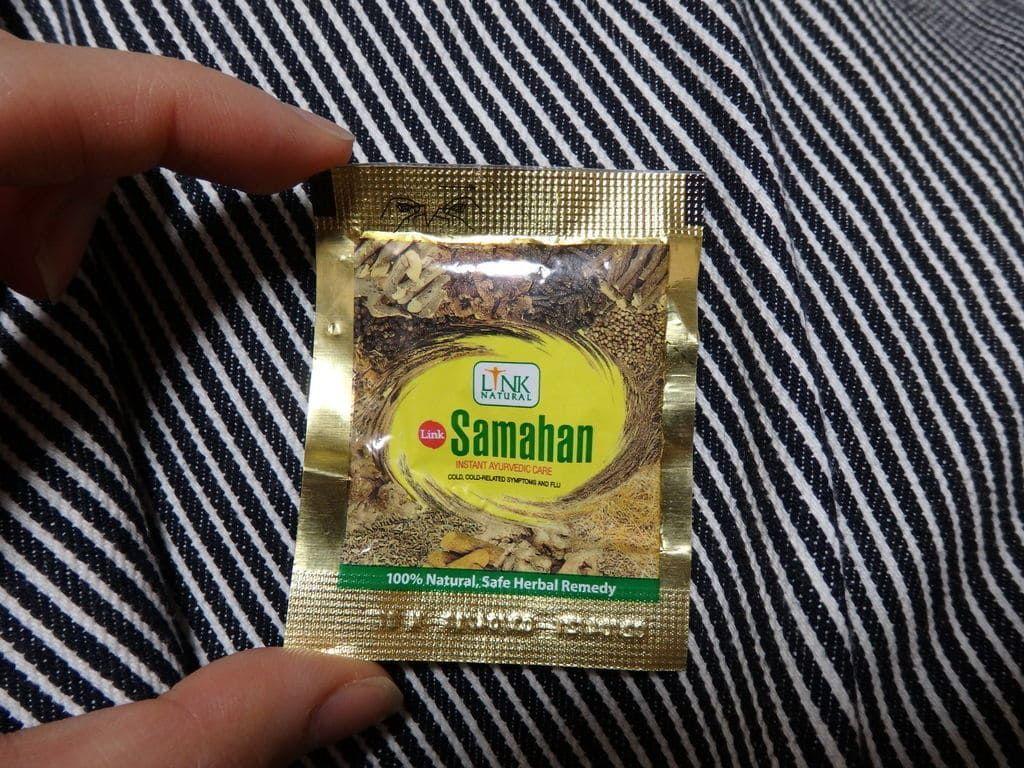 スリランカキャンディで人気のローカル薬局・ボーワッテ アーユルヴェーダ Bowatte Ayurveda 購入品 風邪に効くサマハン(Samahan)30袋入り(600ルピー)