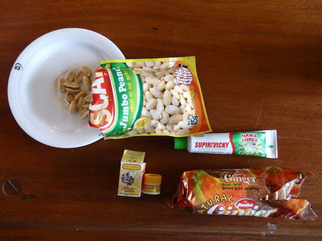 スリランカ旅行おすすめのお土産 お菓子 ナッツやジンジャークッキー