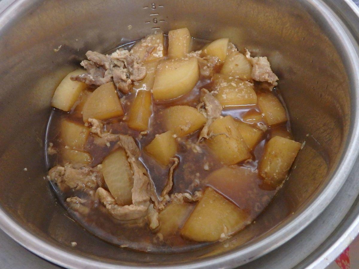 大同電鍋のレシピ 豚バラ大根