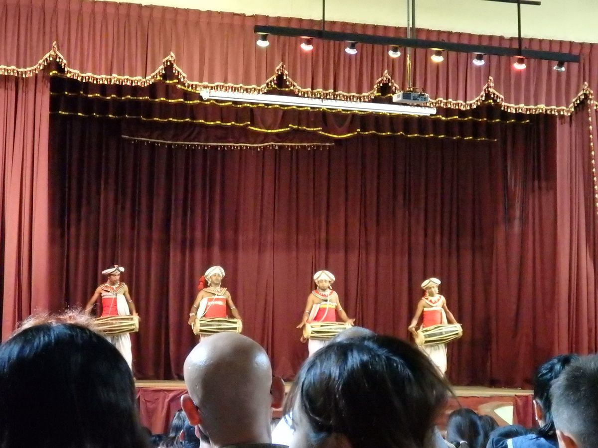キャンディアンダンスショー マグル・ベラ(MAGUL BERA)