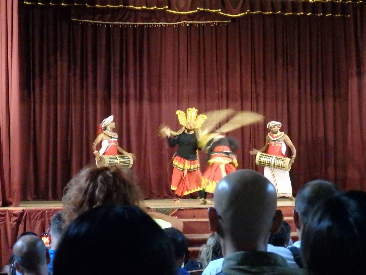 キャンディアンダンスショー 仮面の踊り(MASK DANCE)
