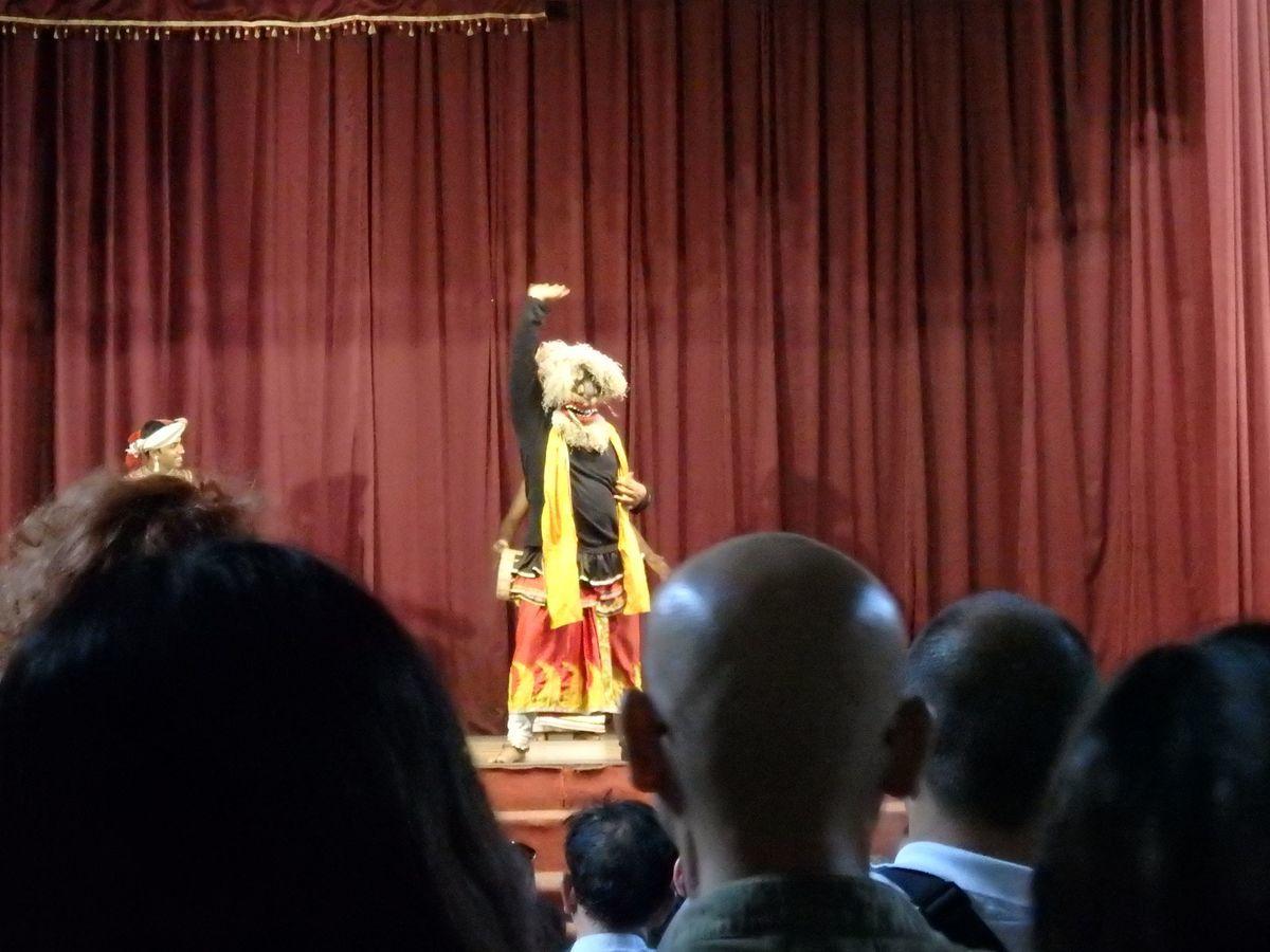 キャンディアンダンスショー サルパリヤ(SALUPALIYA)