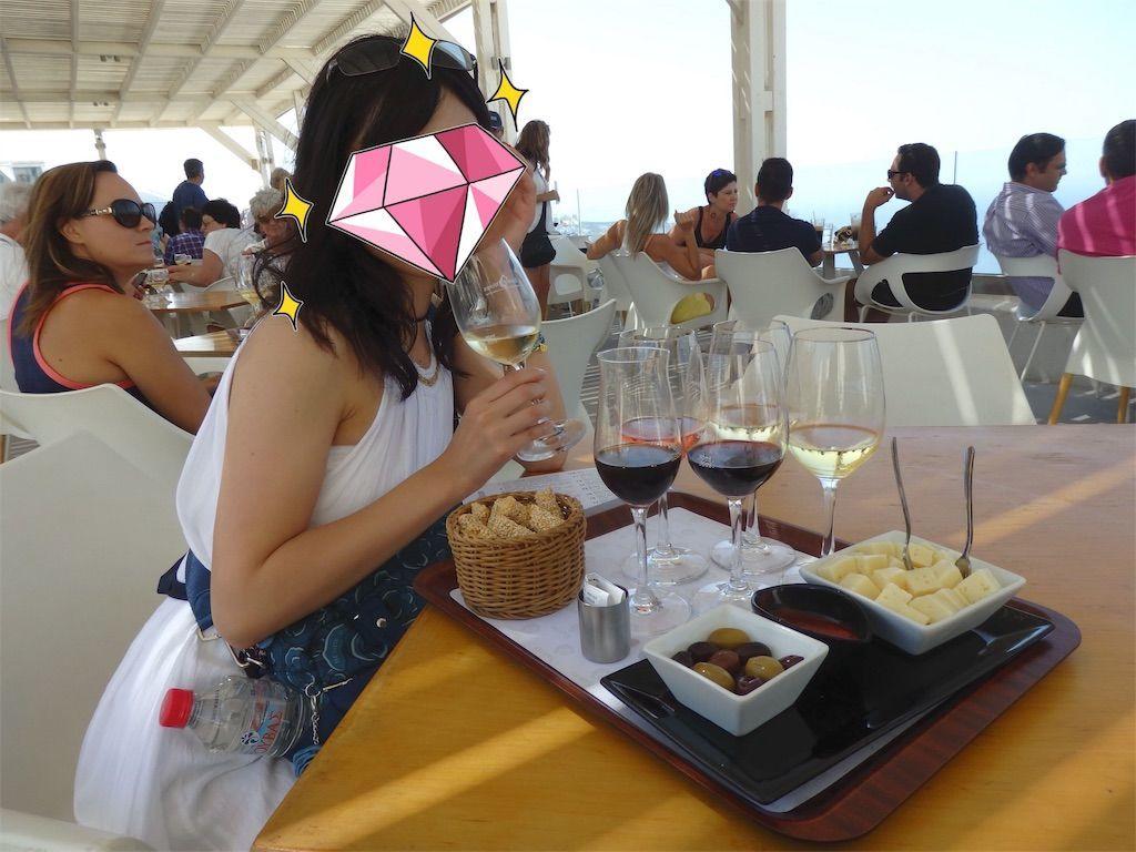 サントリーニ島のワイナリー、サントワイン(Santo Wines Winery)にて6種類のワインテイスティング