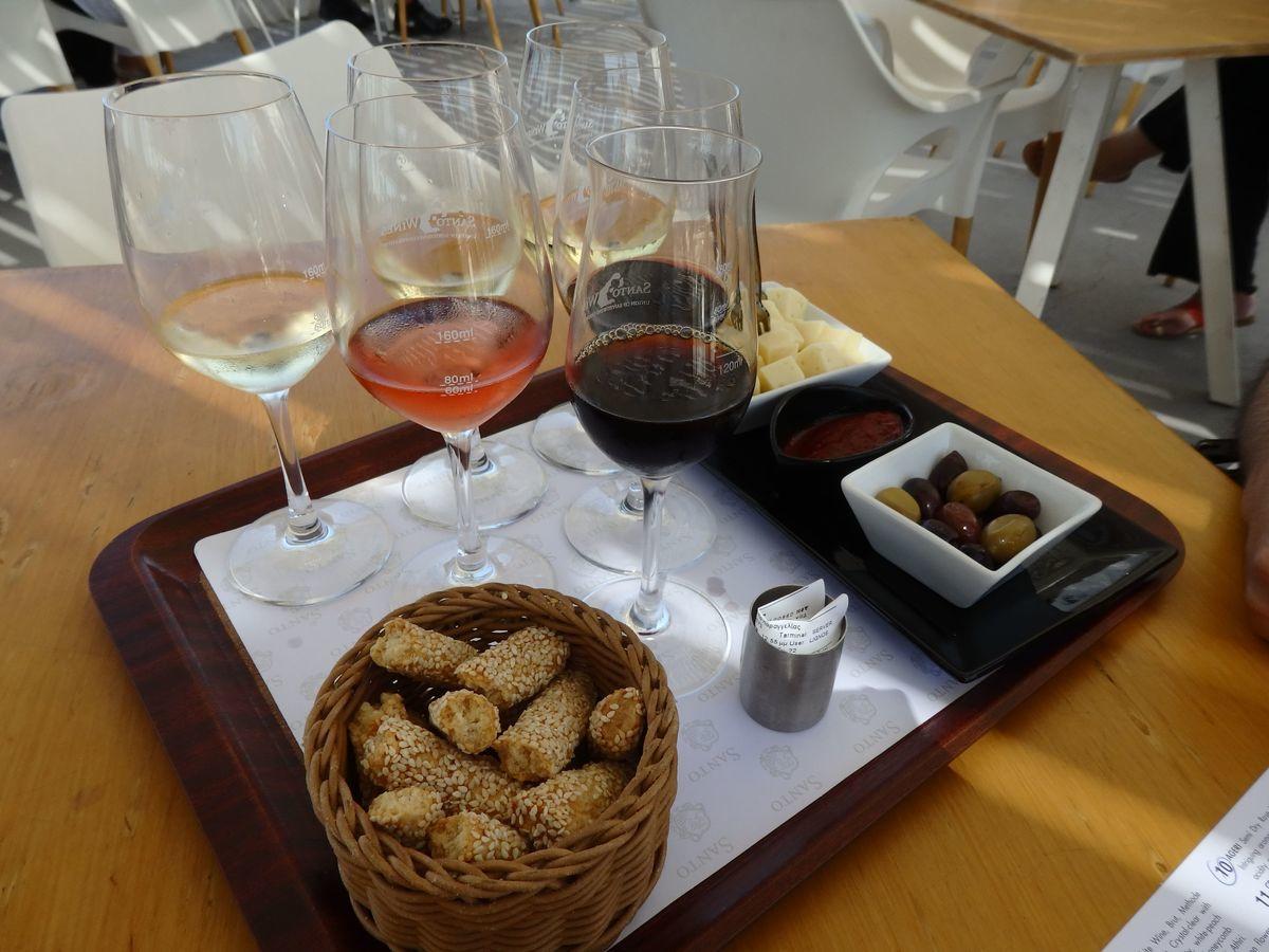 サントリーニ島のワイナリー、サントワイン(Santo Wines Winery)6種類のワインテイスティングセット SANTORINI ASSYRTIKO,SANTORINI NYKTERI,SANTORINI NYKTERI RESERVE,AGERI,KAMENI,SANTORINI VINSANTO