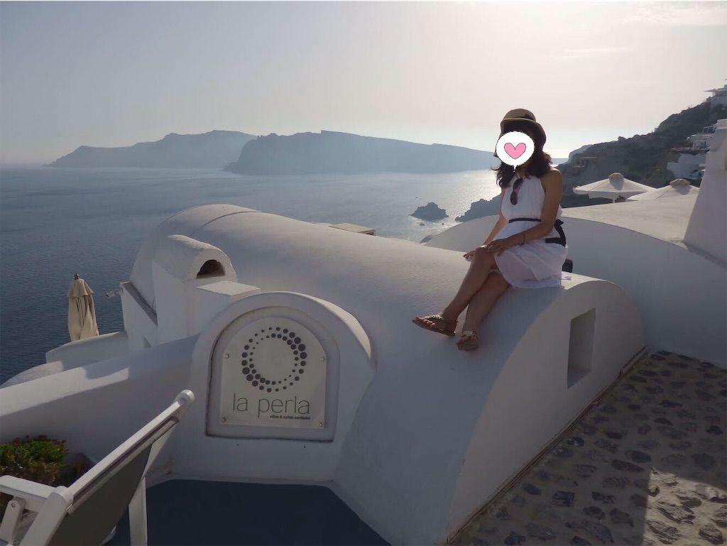 ギリシャ新婚旅行で宿泊したサントリーニ島イアのおすすめ洞窟ホテル「ラ ペルラ ヴィラズ アンド スイーツLa Perla Villas and Suites」入口