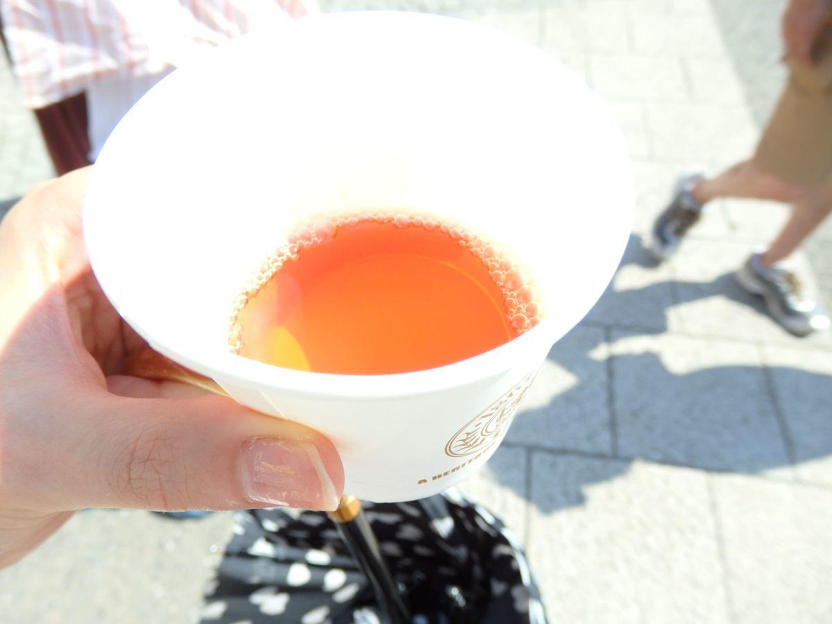 代々木公園で行われたスリランカフェスティバル2019 ショップブース出展 スリランカ紅茶局 冷たい紅茶の試飲