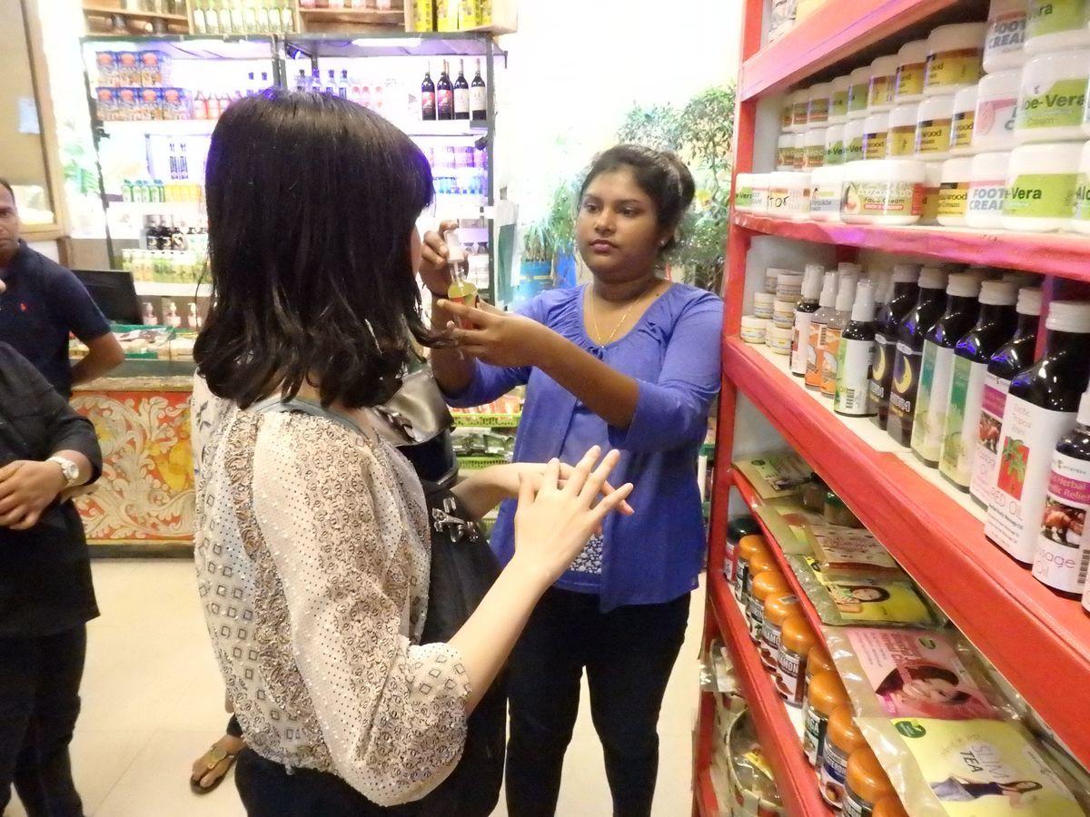 スリランカキャンディで人気のローカル薬局・ボーワッテ アーユルヴェーダ Bowatte Ayurveda 商品をお試し