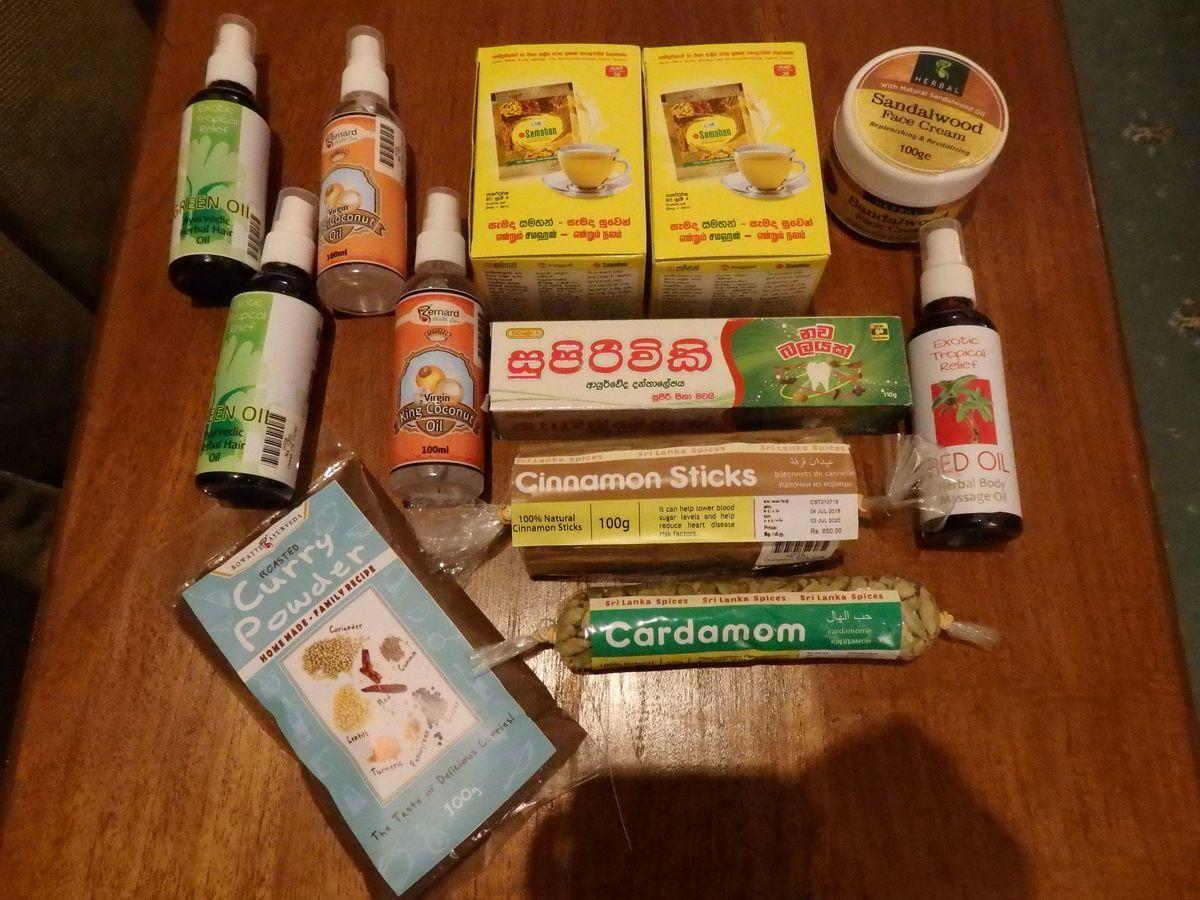 スリランカキャンディで人気のローカル薬局・ボーワッテ アーユルヴェーダ Bowatte Ayurveda 購入品 ハーバルマッサージオイル3種類、フェイスクリーム、スパイス、サマハン、歯磨き粉