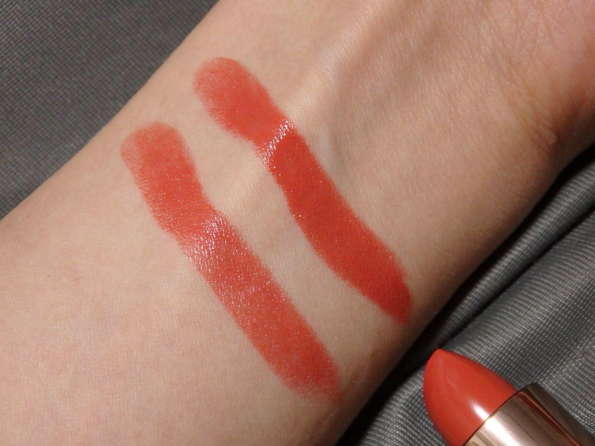 台湾プチプラ優秀コスメ リップ 唇迷心竅好色唇膏(Velvet Kiss Rouge Lipstick)の01橘粉妞妞 Peach Coral 上が3度塗り、下が1度塗り