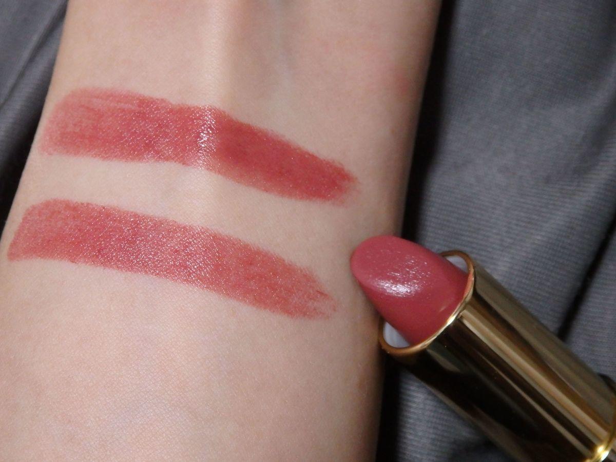 台湾プチプラ優秀コスメ リップ heme「經典緞光唇膏(Twilight Stain Lipstick)」 02番 上が3度塗り、下が1度塗り 色味 レディな雰囲気の絶妙な美人色