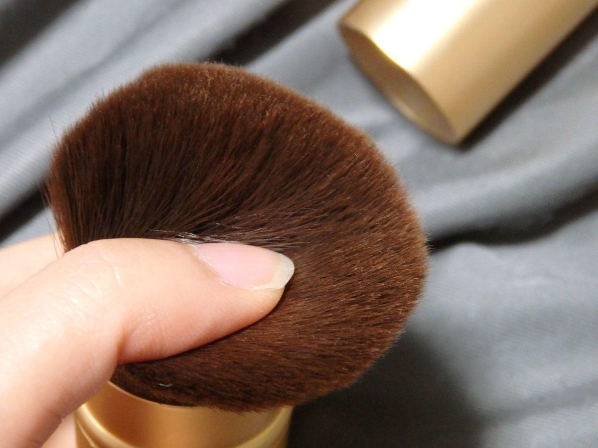 Ms.COSMED メイクブラシ シェーディングブラシ 化粧筆「伸縮修容刷103」特殊加工のうねった柔らかいナイロン毛
