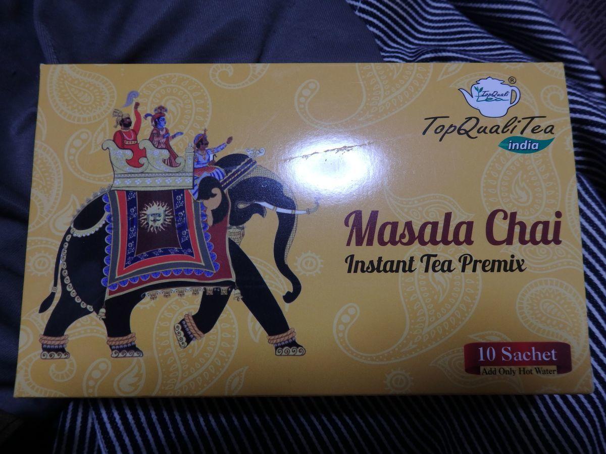 デリーのインド紅茶専門店「Top QualiTea」のスティックタイプのマサラチャイ(Masala Chai Instant Tea Premix (10 Sachets))外箱パッケージ