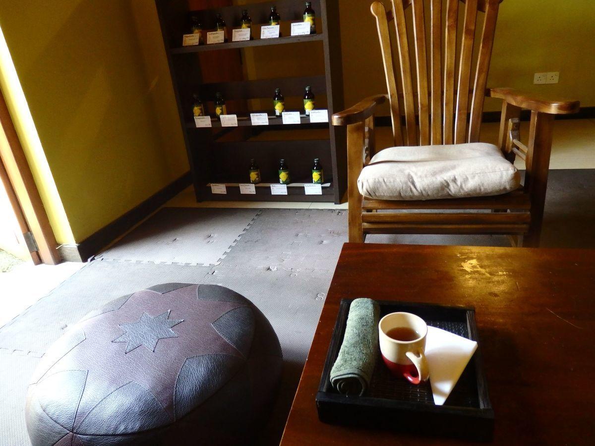 スリランカ・コロンボにある日本人経営の本格アーユルヴェーダ施設「エクセレンディブ アーユルヴェーダ キュア & セラピー(ExSerendib Ayurveda Cure & Therapy)」施術後のハーブティー