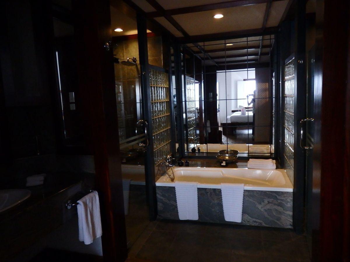 ジェフリーバワが設計したリゾートホテル・ジェットウィングライトハウス(Jetwing Lighthouse)バスルーム