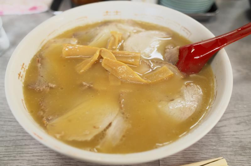 名門のチャーシュー麺