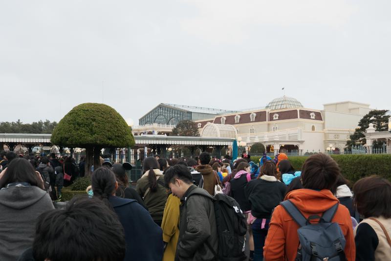 東京ディズニーランド 入園待ち