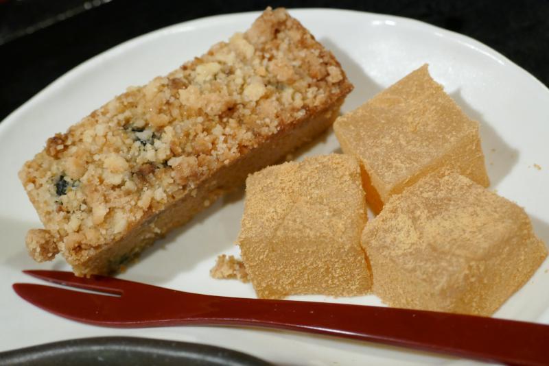 パウンドケーキとわらび餅