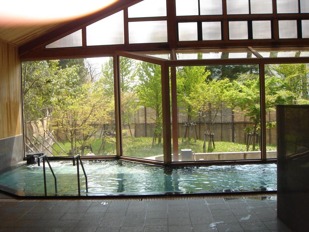 水沢温泉の浴場