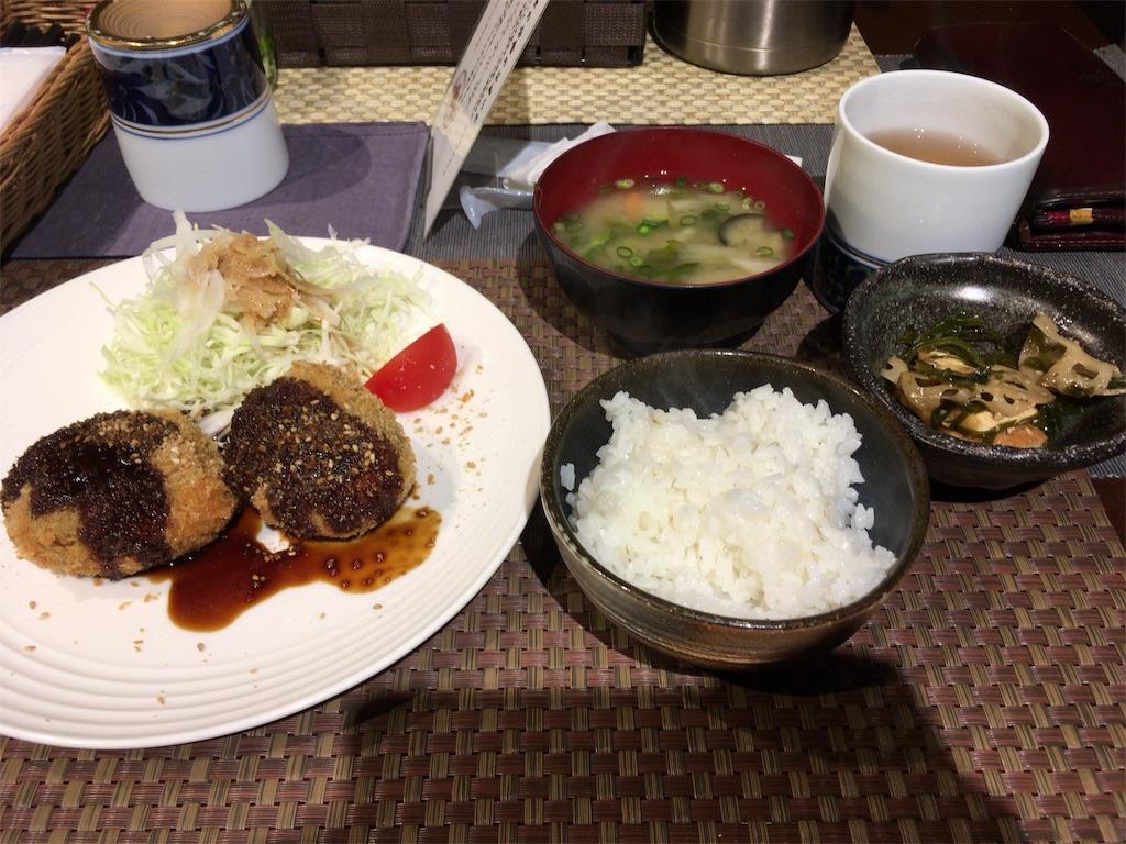 膾炙のコロッケ定食