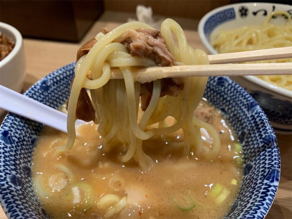 つじ田の麺と豚肉