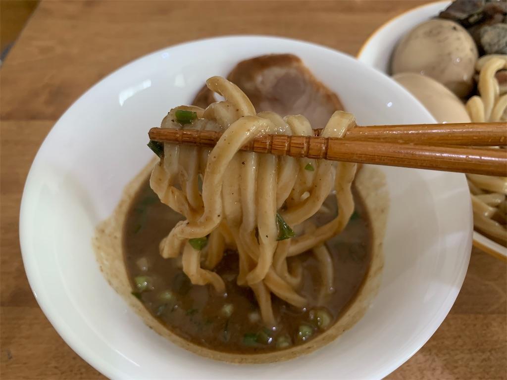 セブンイレブン中華そばとみ田の麺とつけ汁