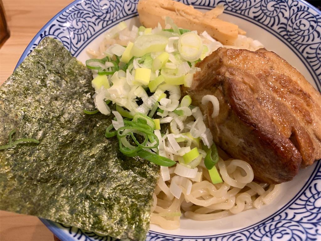久楽の角煮つけ麺のトッピング