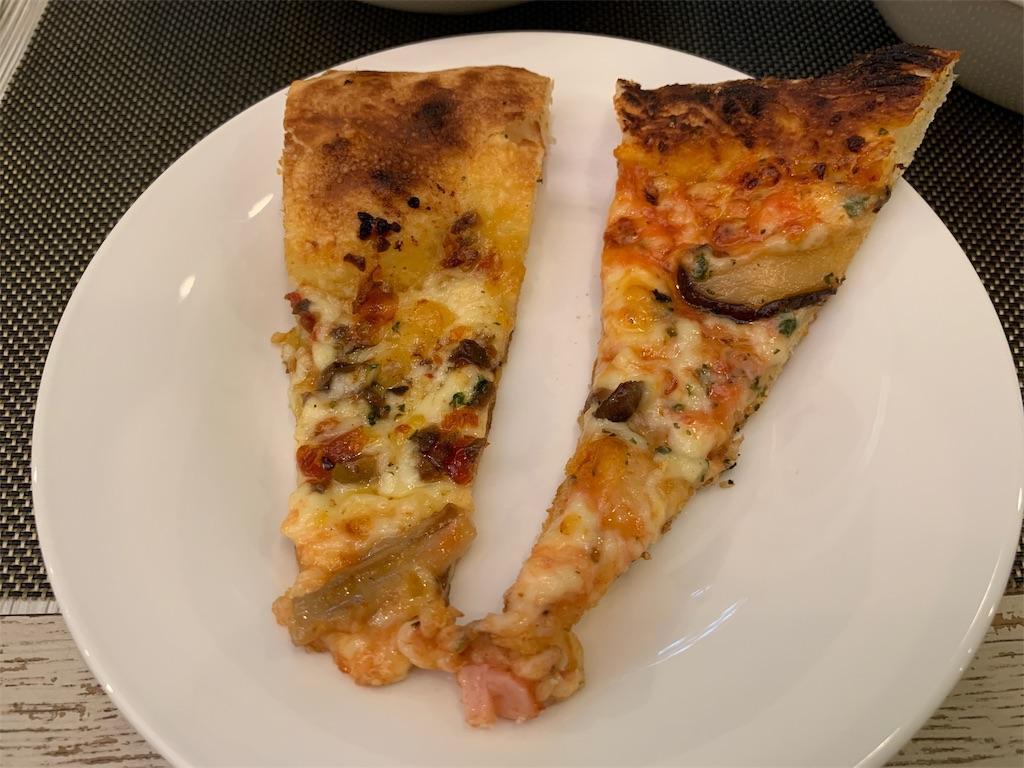 ANAクラウンカフェの追加のピザ
