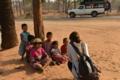 「子供との会話」  ミャンマー