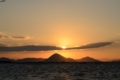 陽が昇る (琵琶湖)