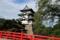真紅の下乗橋と弘前城天守
