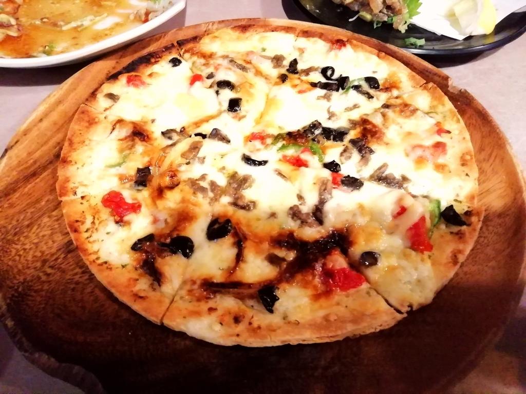 アンチョビの塩味がきいたピザ