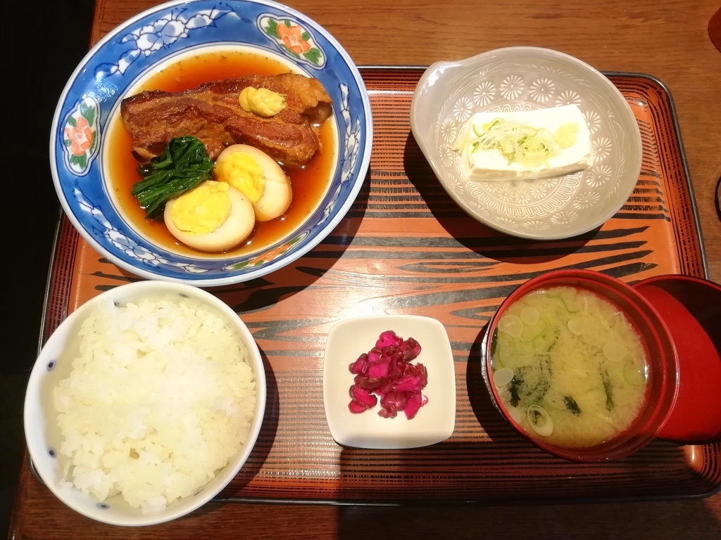 豚の角煮定食 870円
