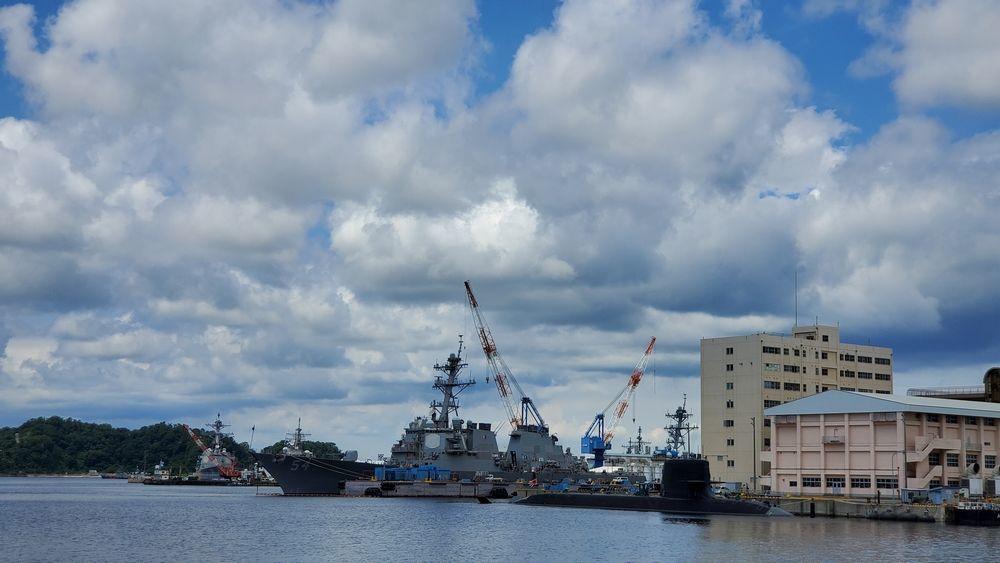 米軍横須賀基地の艦船