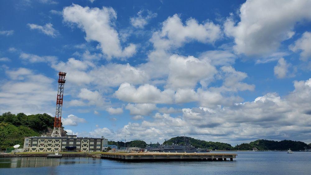 海上自衛隊横須賀基地の艦船