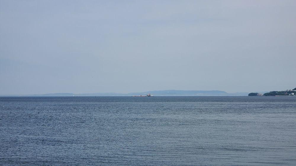 うみかぜ公園から見た海や船