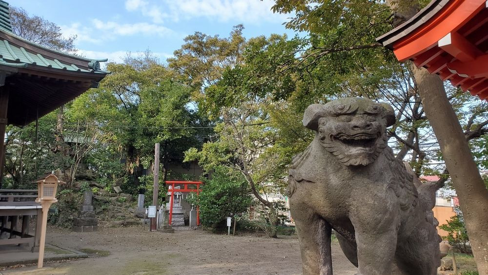 久里浜八幡神社の狛犬