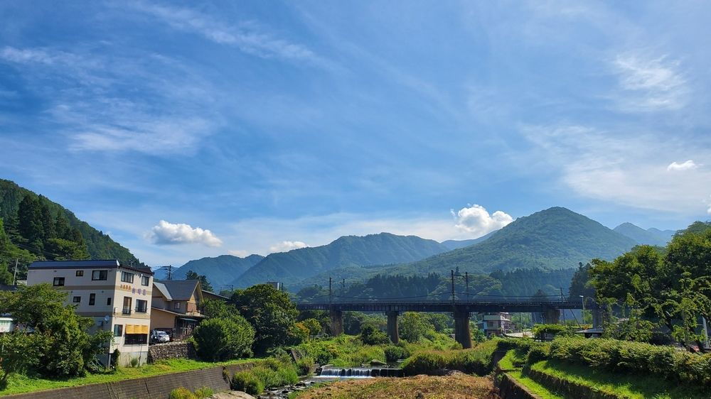 山寺駅から登山口へ向かう途中の景色