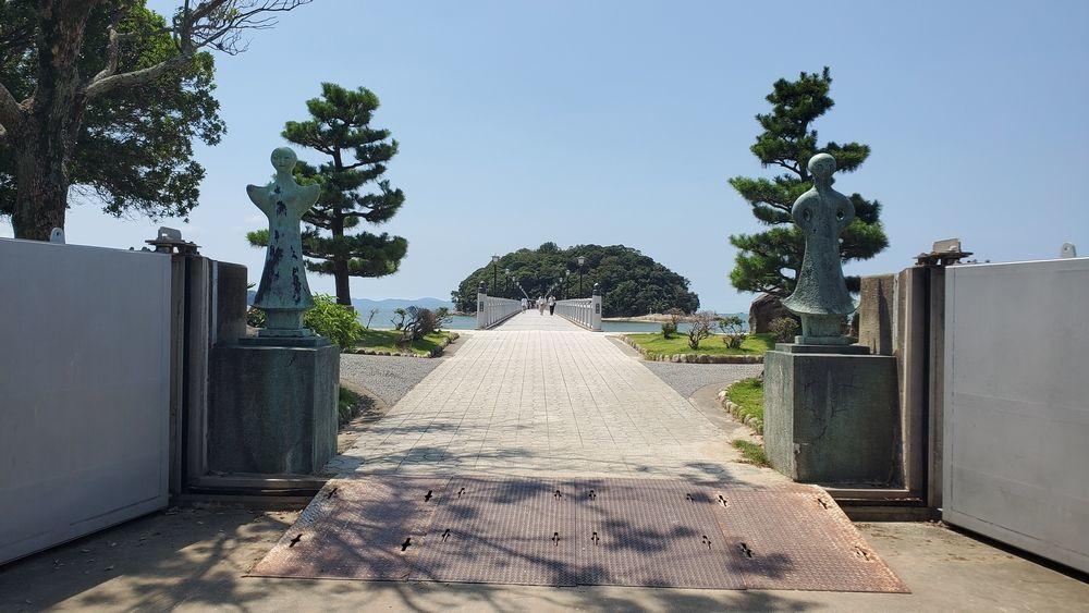 竹島へ続く橋