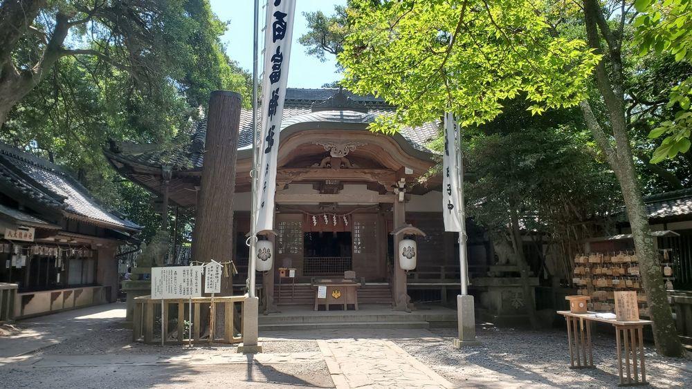 八百富神社の社殿