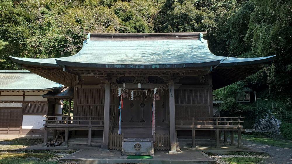 洲崎神社・拝殿