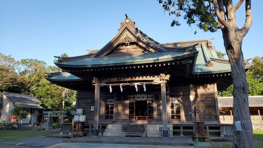 鶴谷八幡宮・拝殿
