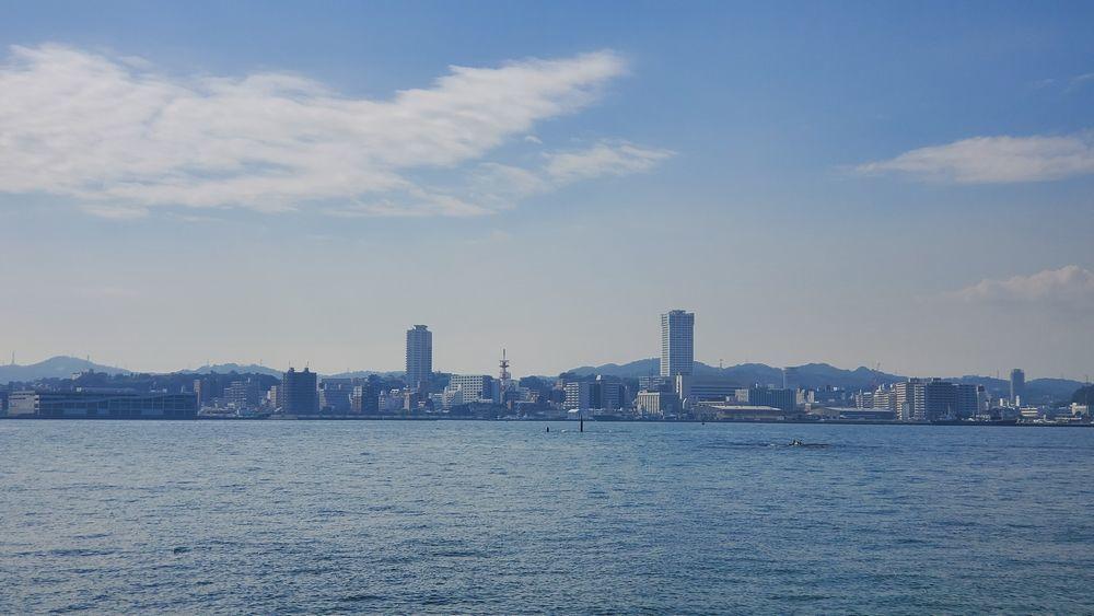 猿島から見た横須賀市内