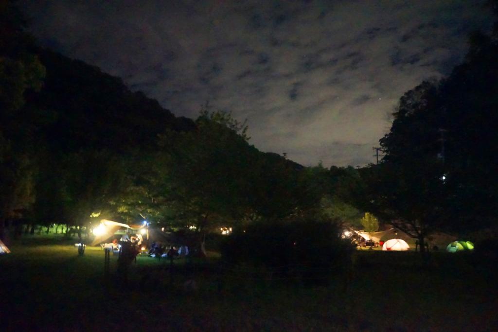 キャンプ場 夜景