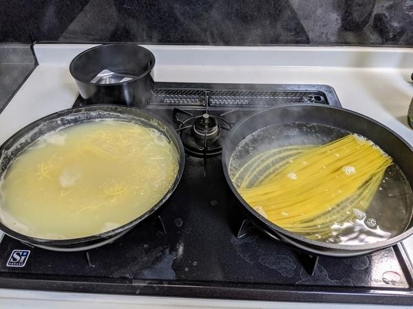 家族で食べる場合はフライパン2枚使いで!