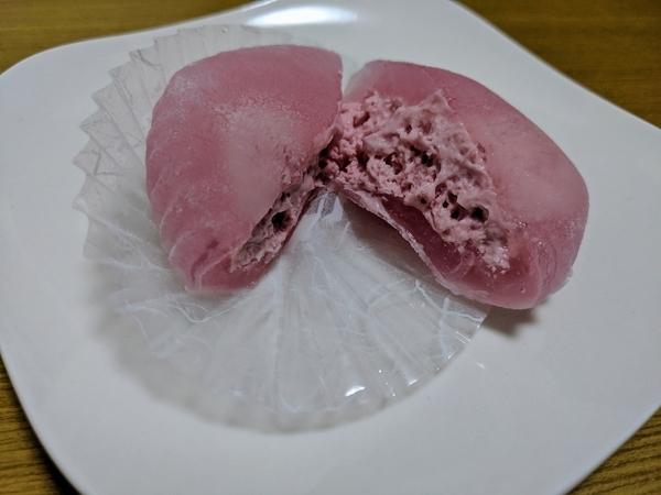 凍らせてもおいしい苺わらび 断面