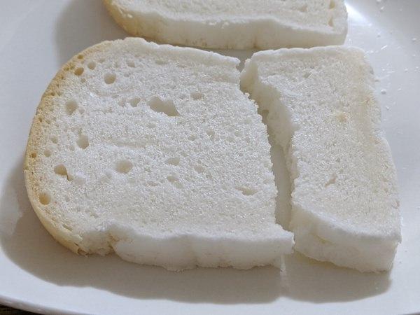 低たんぱくパンは割れやすい